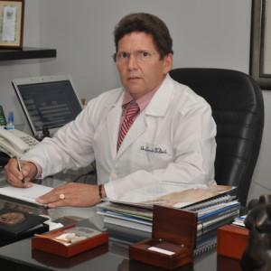 Dr Eduardo Valiente
