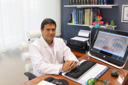 doctor-alvaro-uribe-victoria-iloveimg-cropped